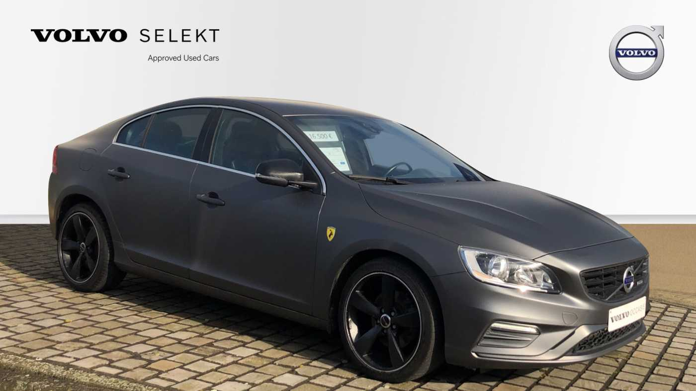 Volvo S60 D3 136pk AUT Momentum R-design, wagen is gewrapped in donker grijs!!! 2/11