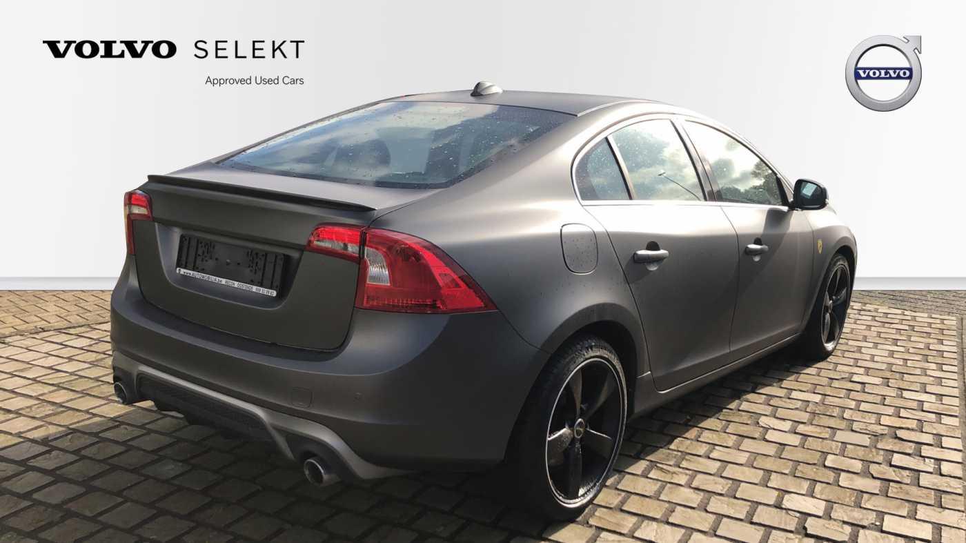 Volvo S60 D3 136pk AUT Momentum R-design, wagen is gewrapped in donker grijs!!! 4/11