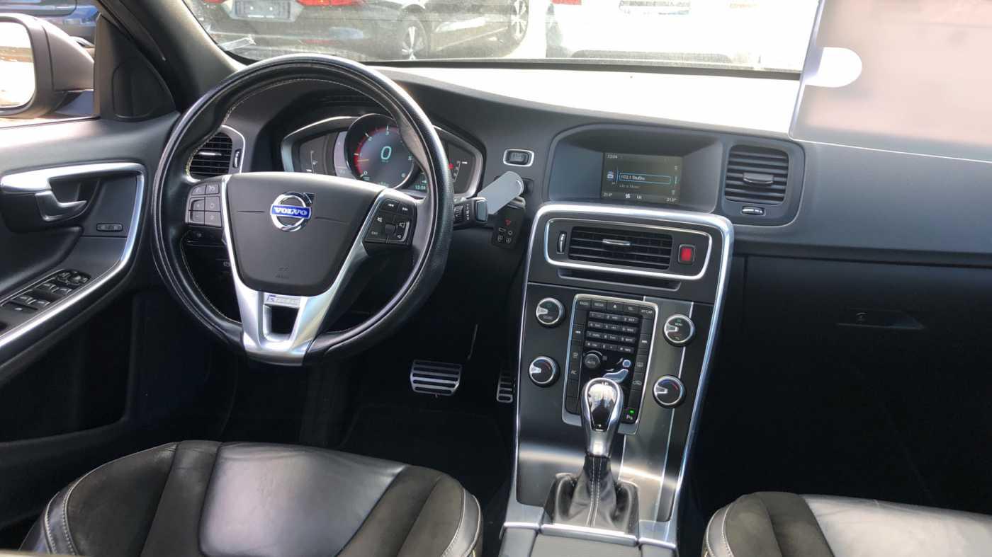 Volvo S60 D3 136pk AUT Momentum R-design, wagen is gewrapped in donker grijs!!! 7/11