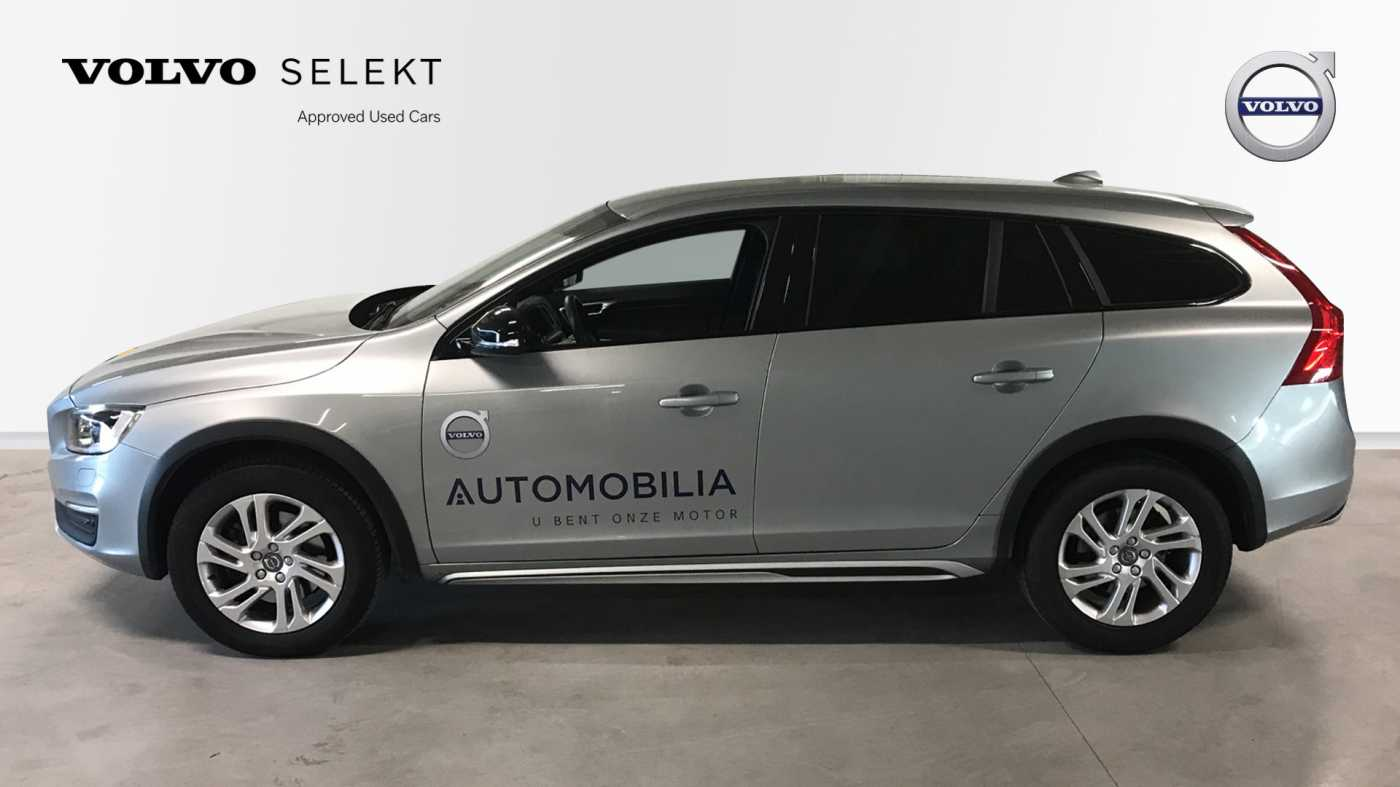 Volvo V60 Cross Country Cross Country Pro D3 Geartronic 2/11