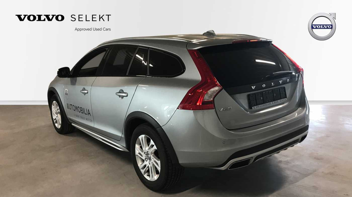 Volvo V60 Cross Country Cross Country Pro D3 Geartronic 4/11