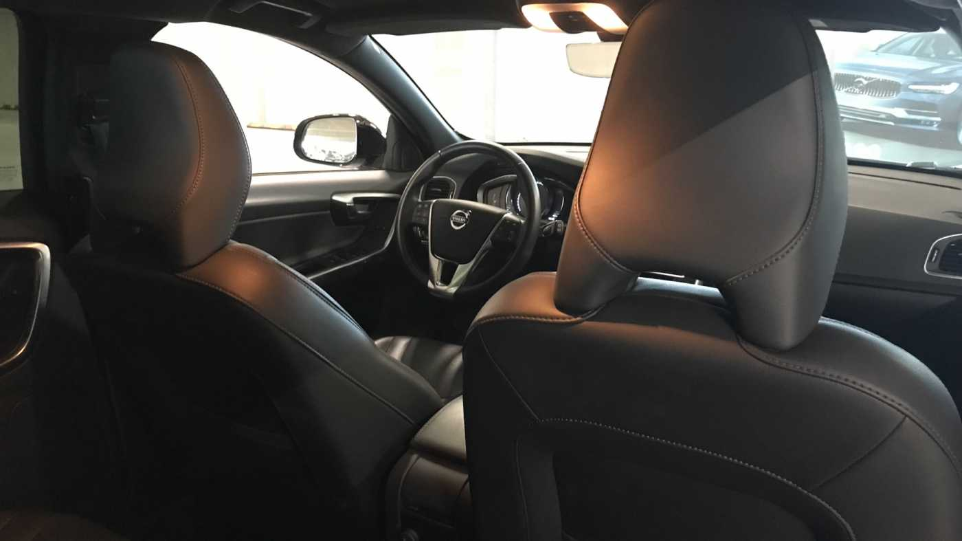Volvo V60 Cross Country Cross Country Pro D3 Geartronic 6/11
