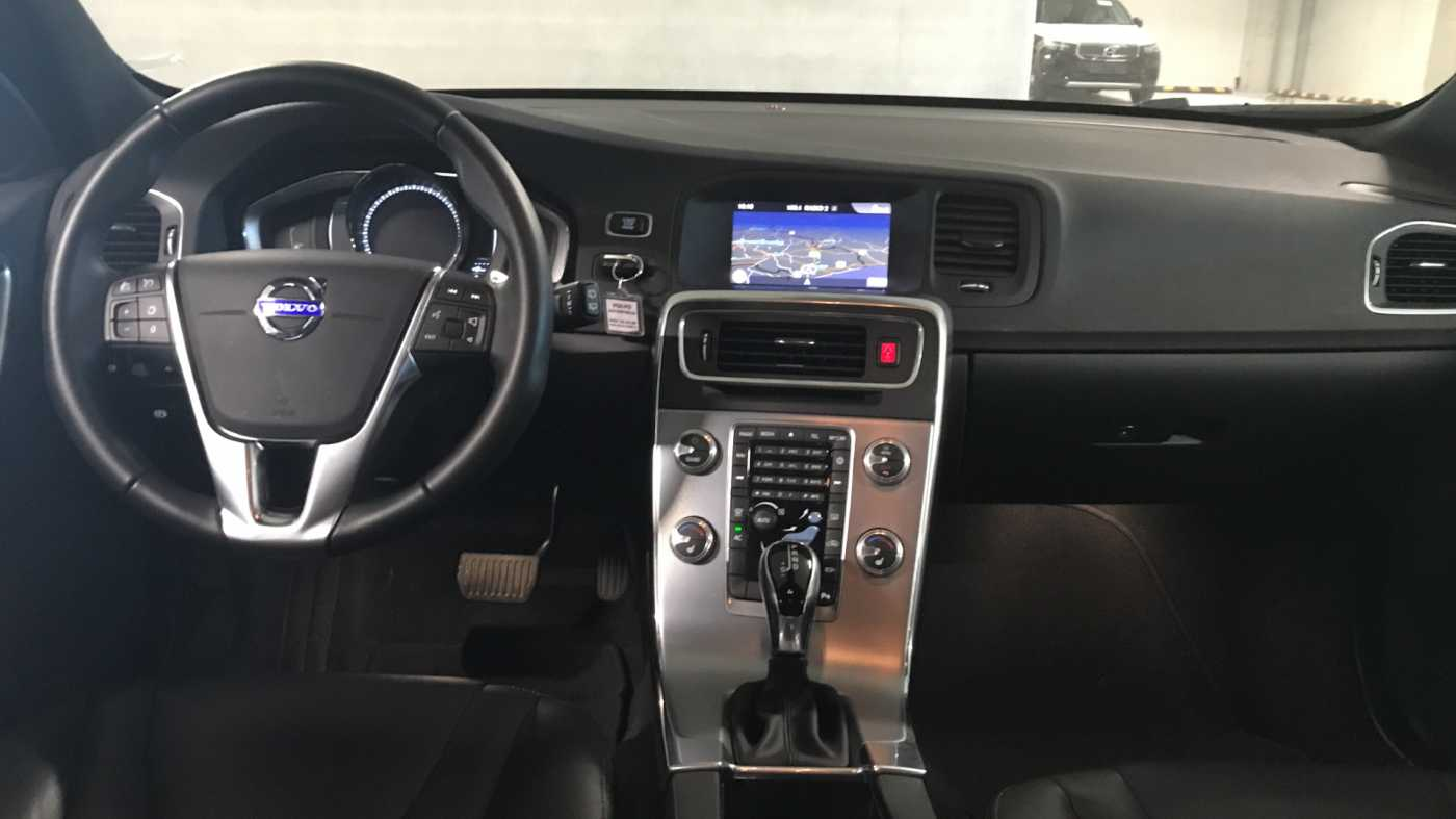 Volvo V60 Cross Country Cross Country Pro D3 Geartronic 8/11