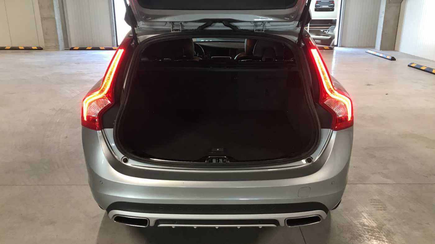 Volvo V60 Cross Country Cross Country Pro D3 Geartronic 9/11