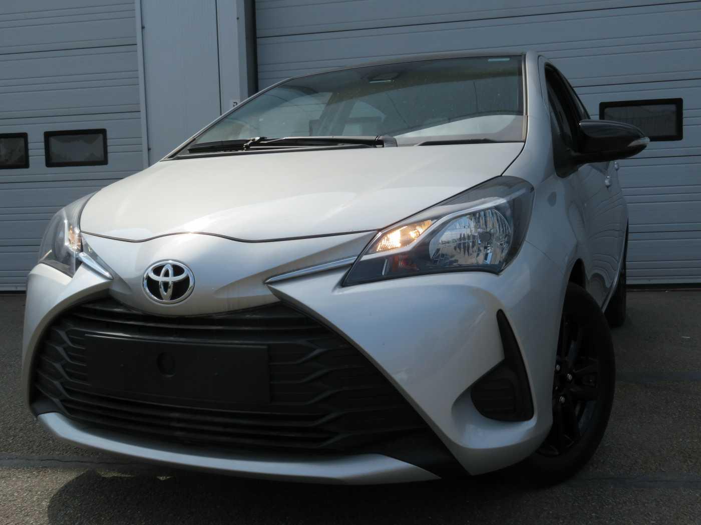 Toyota Yaris 1.0L 1/7
