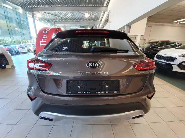 Kia Ceed 1.4 Turbo Benzine ISG 'MORE' 7/9