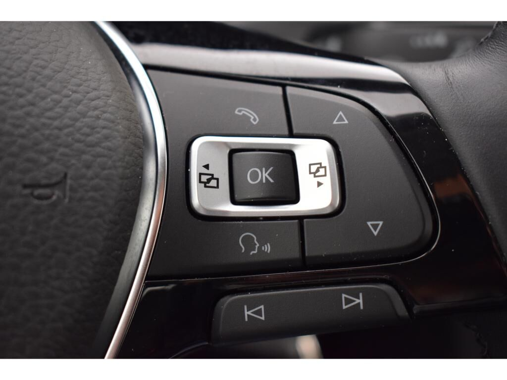 Volkswagen Golf Mark 7 (2013) 1.0 TSI BMT Comfortline 12/14