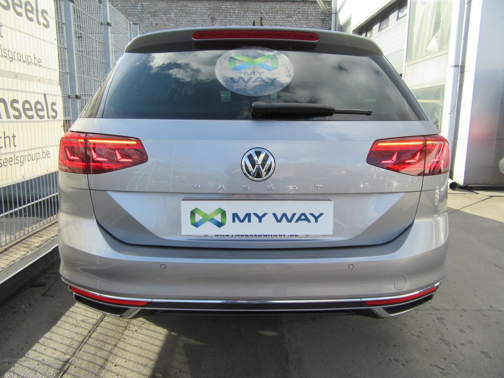 Volkswagen Passat Variant 1.6 TDi SCR Elegance DSG (EU6.2) 19/22