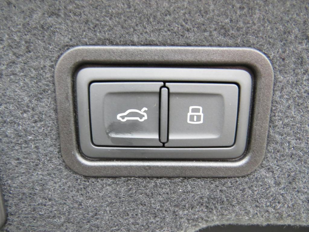 Audi A8 Dsl 50 TDi Quattro Tiptronic (EU6.2) 16/17