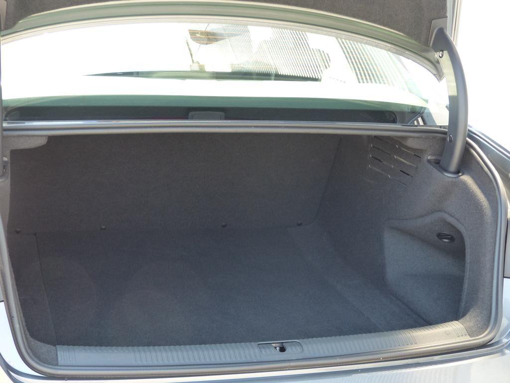 Audi A4 2L 122pk *EURO6b*2J GARANTIE*0% FINANCIERING*XENON*GPS*BLUETOOTH*CRUISE*TOPWAY.BE