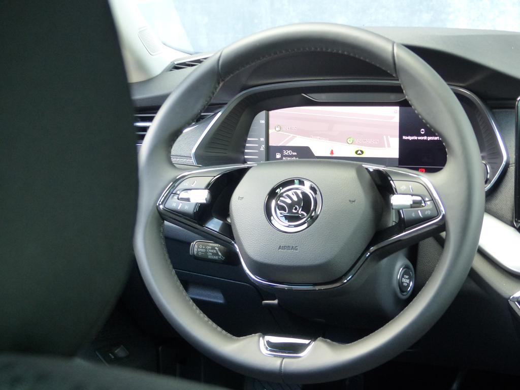 Skoda Octavia Combi NIEUW MODEL*STYLE*1.5 TSI 150pk*LED MATRIX*GPS*KEYLESS*CAMERA*TOPWAY.BE