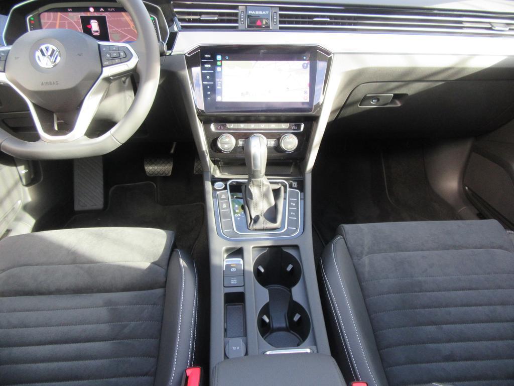 Volkswagen Passat Variant 1.6 TDi SCR Elegance DSG (EU6.2) 6/22