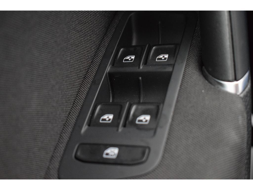Volkswagen Golf Mark 7 (2013) 1.0 TSI BMT Comfortline 10/14
