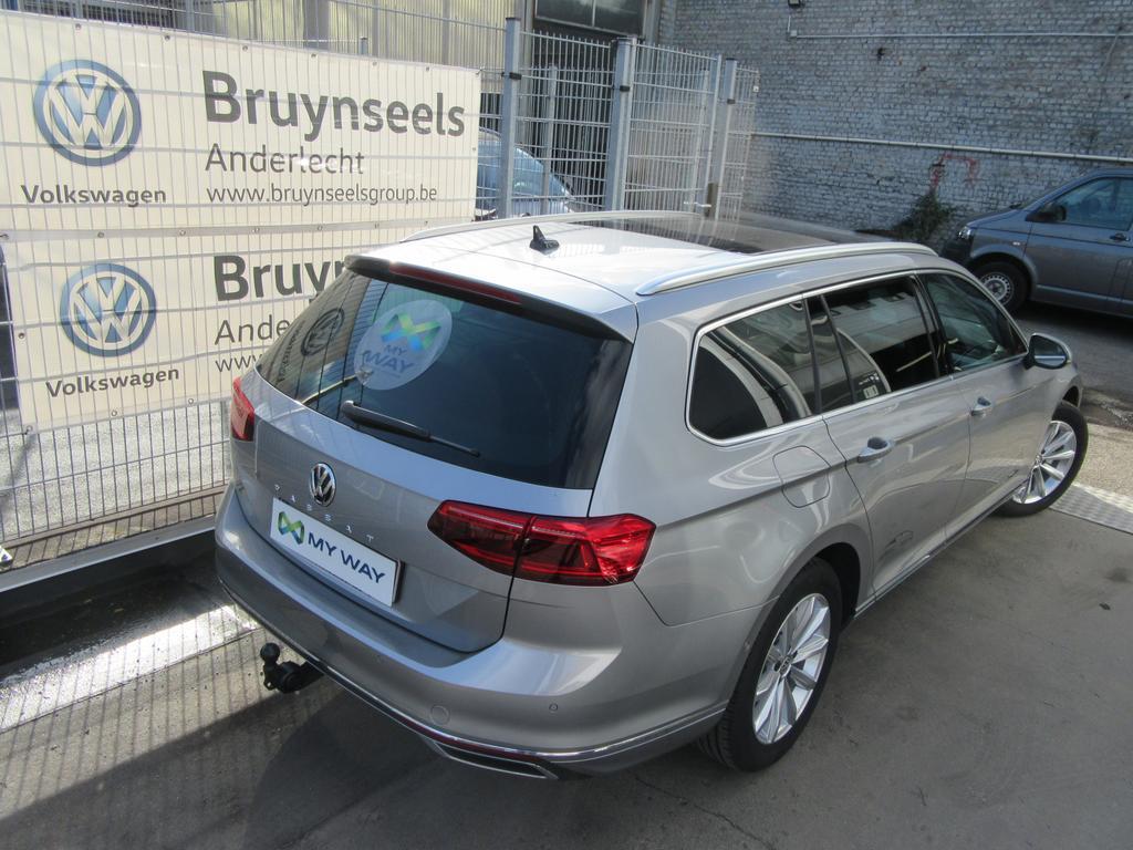 Volkswagen Passat Variant 1.6 TDi SCR Elegance DSG (EU6.2) 2/22