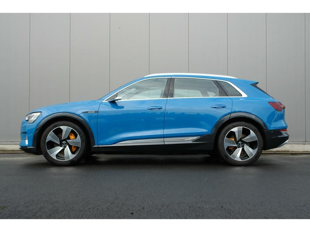 Audi E-Tron 55 Quattro Advanced (95 kWh) 8/17