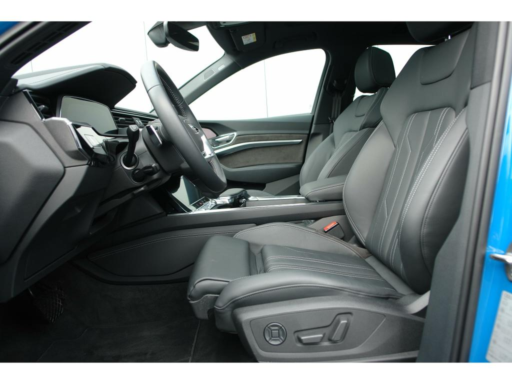 Audi E-Tron 55 Quattro Advanced (95 kWh) 11/17