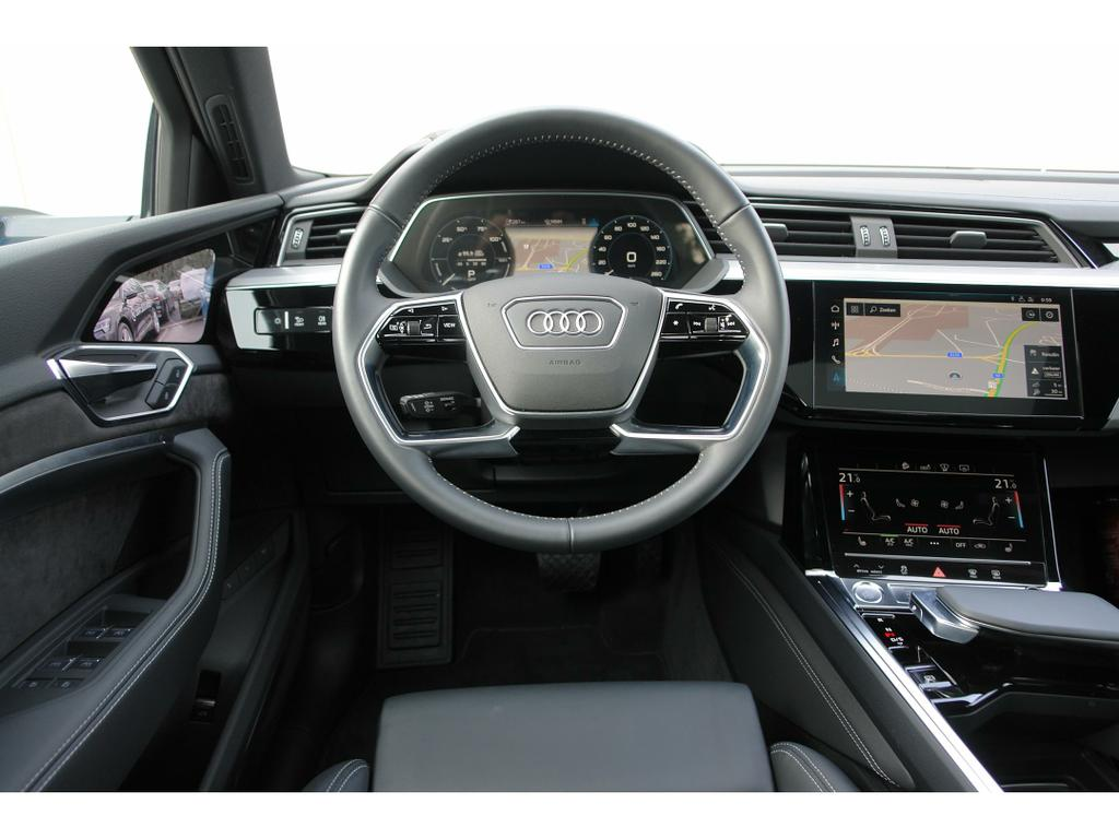 Audi E-Tron 55 Quattro Advanced (95 kWh) 9/17