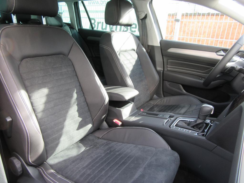 Volkswagen Passat Variant 1.6 TDi SCR Elegance DSG (EU6.2) 4/22