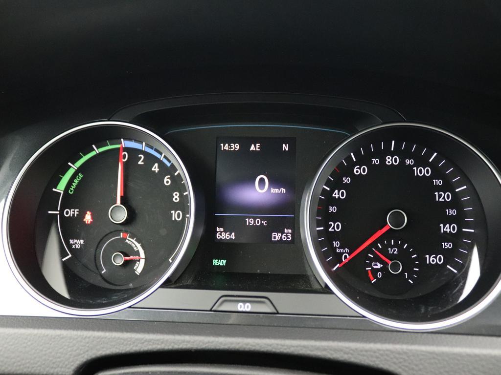 Volkswagen e-Golf 35.8kWh E-Golf