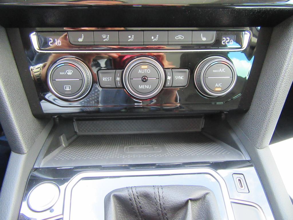 Volkswagen Passat Variant 1.6 TDi SCR Elegance DSG (EU6.2) 12/22