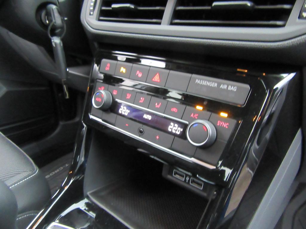 Volkswagen T-Cross 1.0 TSI Life OPF 8/15