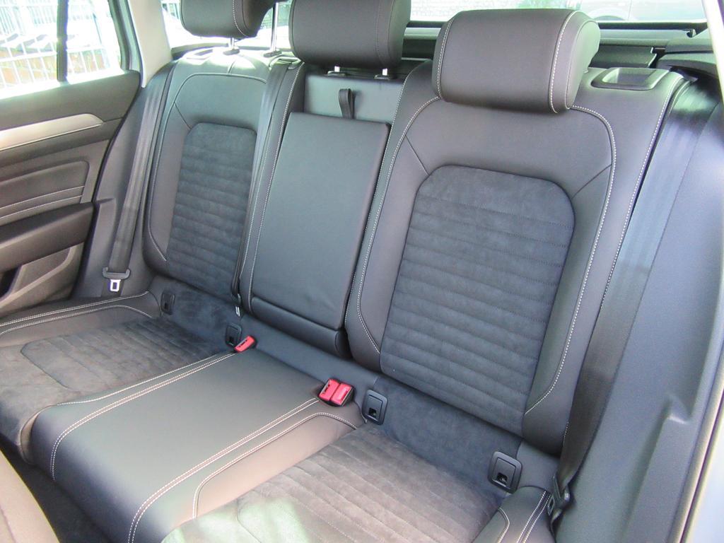 Volkswagen Passat Variant 1.6 TDi SCR Elegance DSG (EU6.2) 15/22