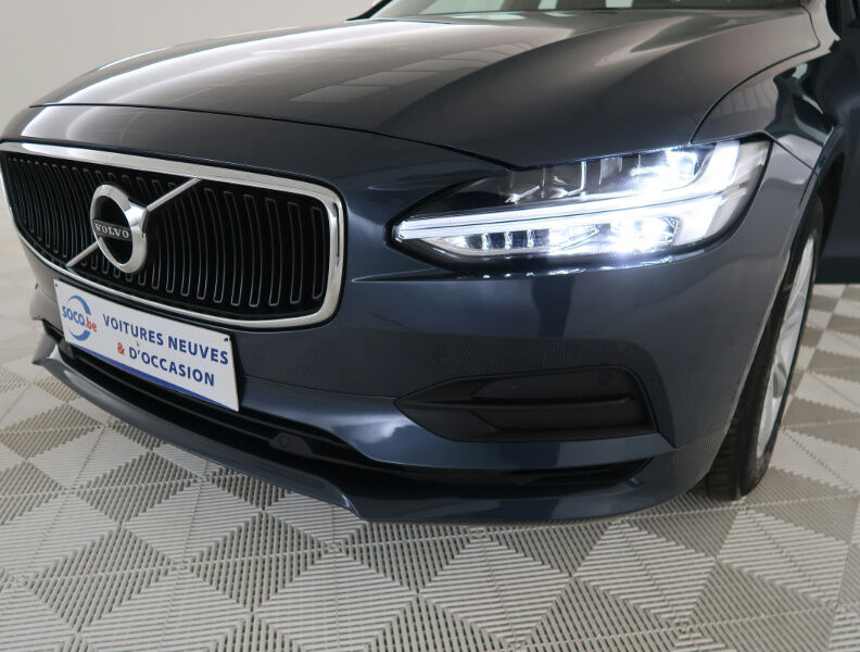 Volvo V90 2.0 D4 MOMENTUM GEARTRONIC/NAVI/FULL LED/JA17/PDC 15/20