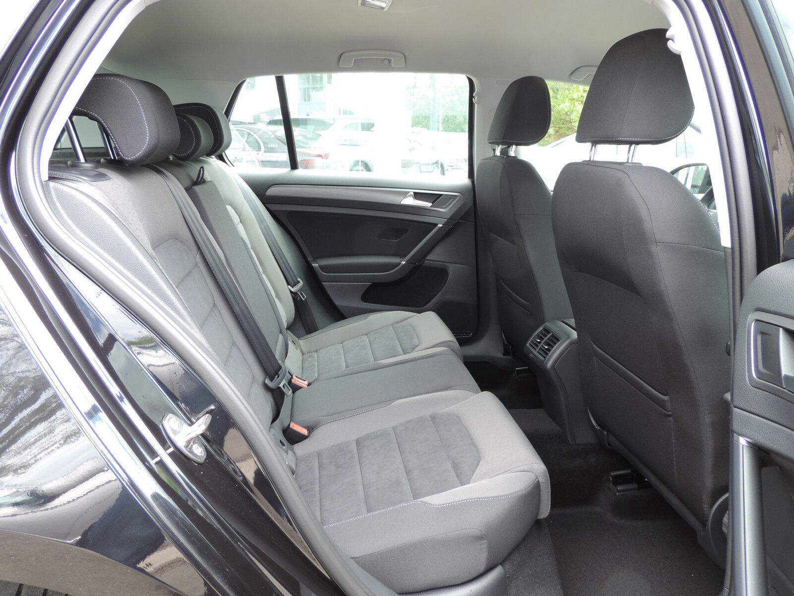 Volkswagen Golf 1.6 TDI R-LINE CLIMA REGUL ACC GPS LED NEUVE 8/15