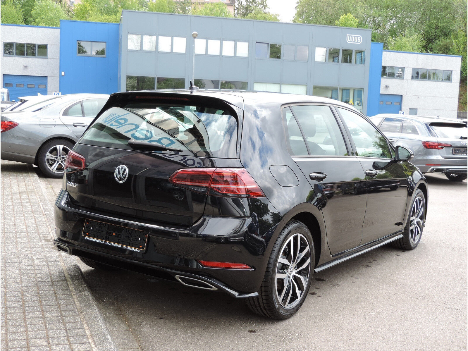 Volkswagen Golf 1.6 TDI R-LINE CLIMA REGUL ACC GPS LED NEUVE 3/15
