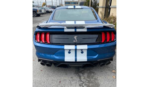 Ford Mustang Shelby GT 500 Auto.