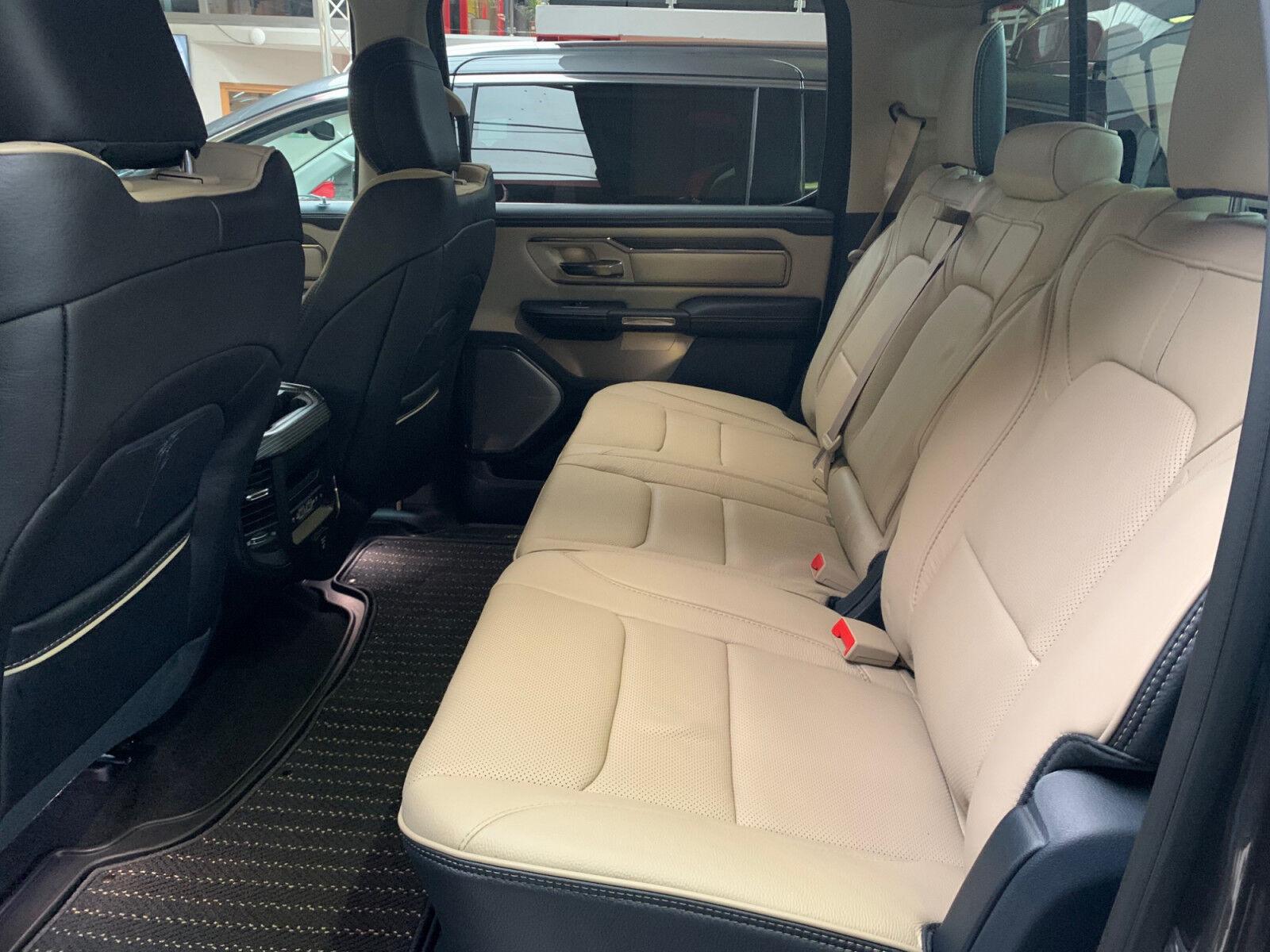 Dodge RAM 1500 Limited Crew Cab
