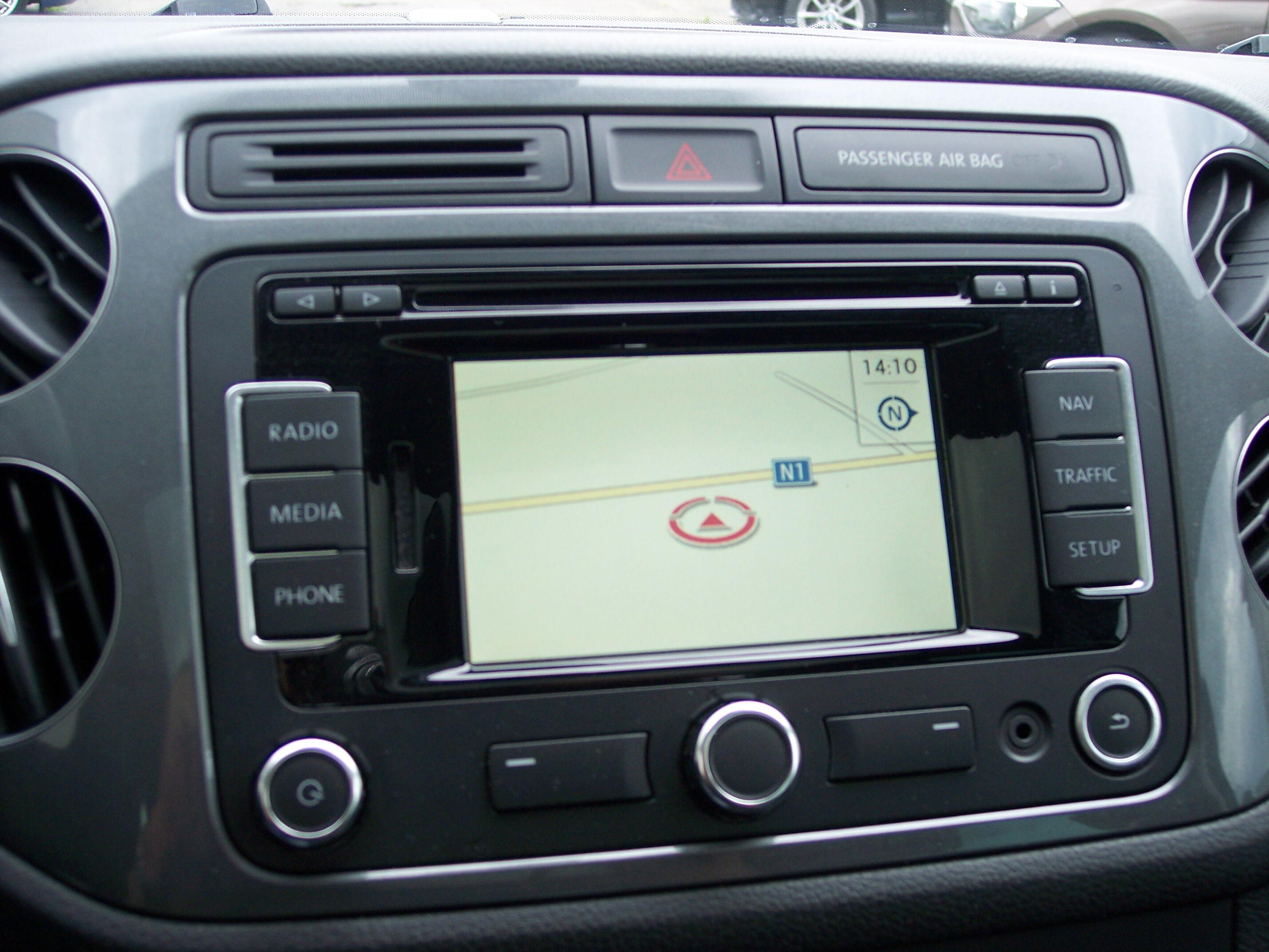 Volkswagen TIGUAN SUV BENZINE 9/15