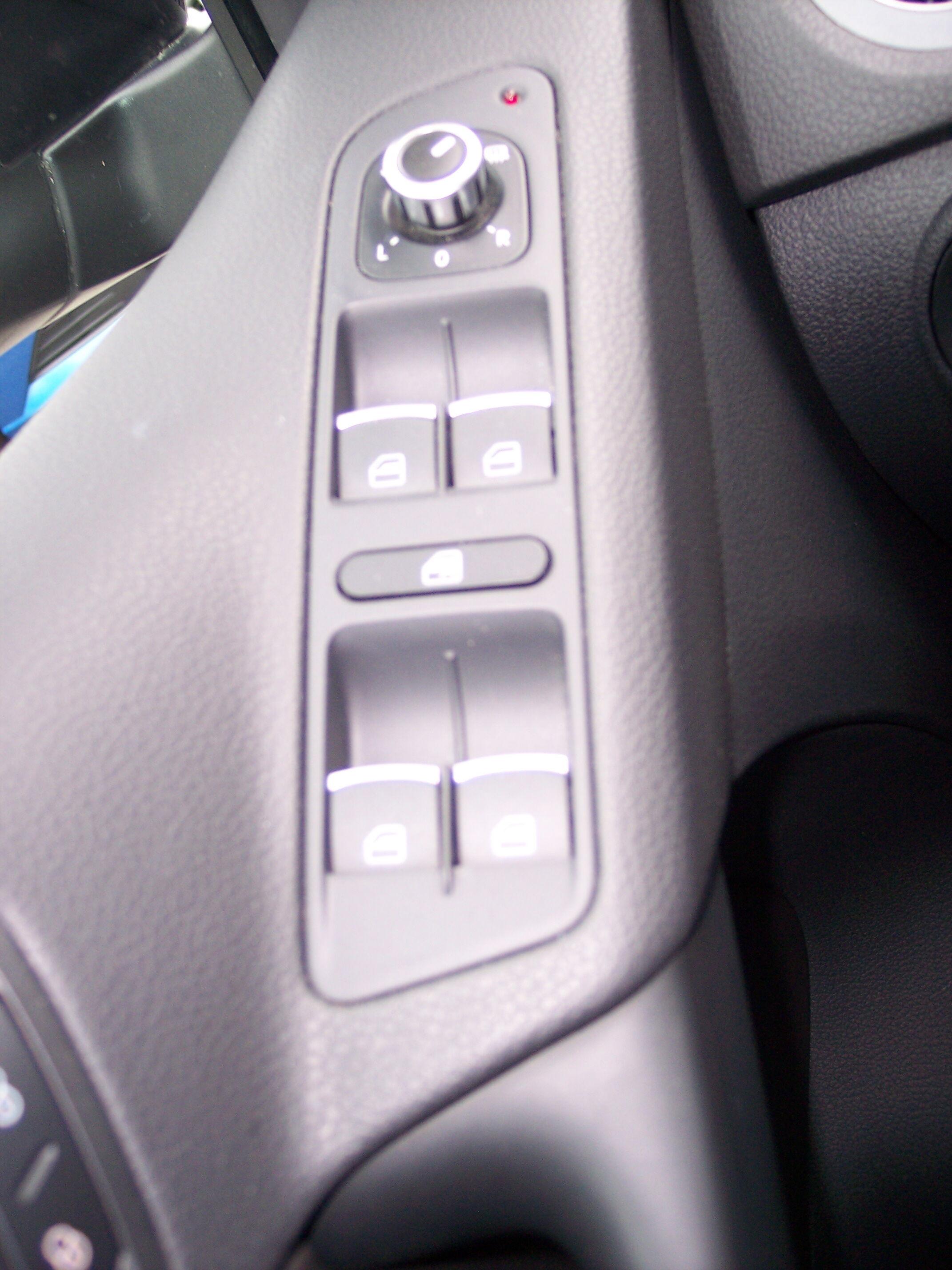 Volkswagen TIGUAN SUV BENZINE 11/15