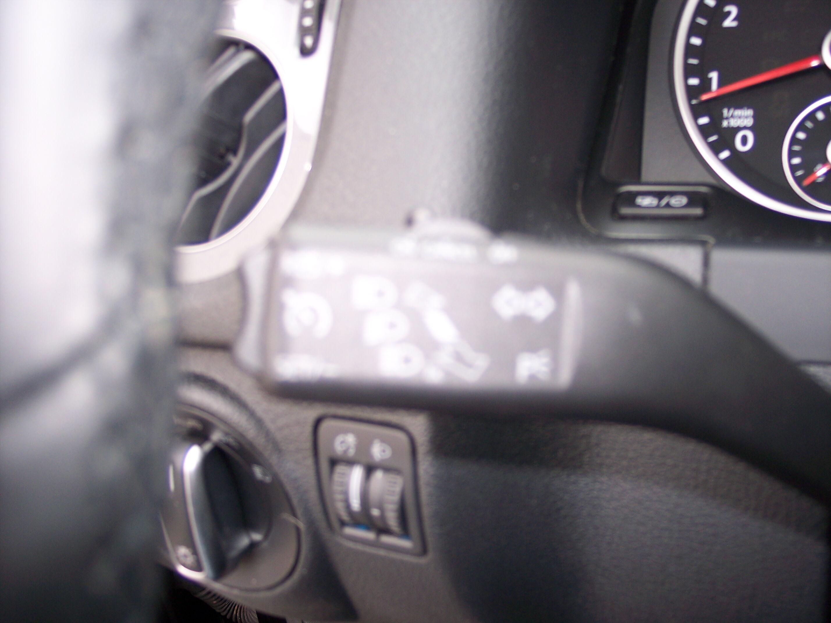 Volkswagen TIGUAN SUV BENZINE 12/15