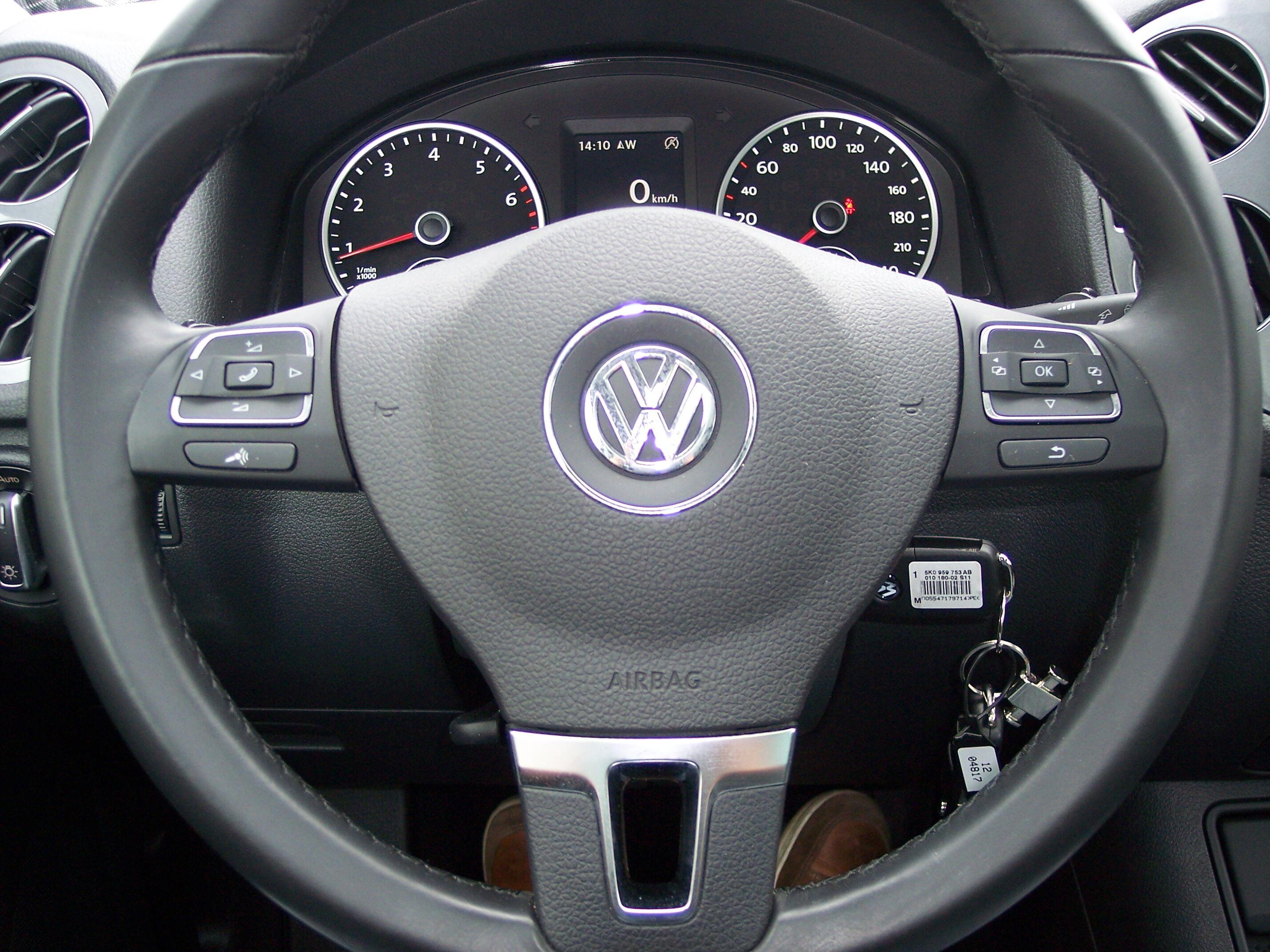 Volkswagen TIGUAN SUV BENZINE 8/15