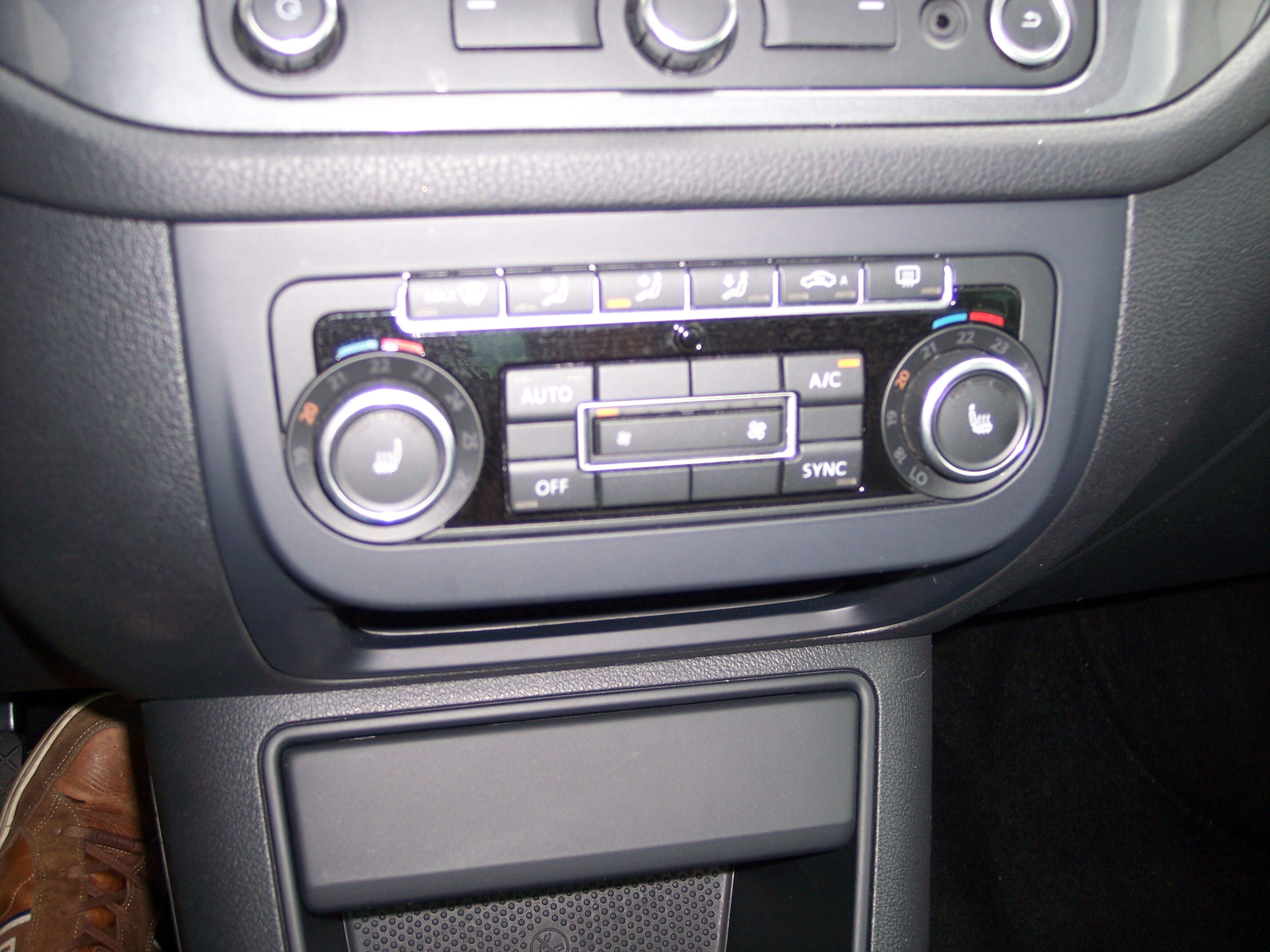 Volkswagen TIGUAN SUV BENZINE 10/15