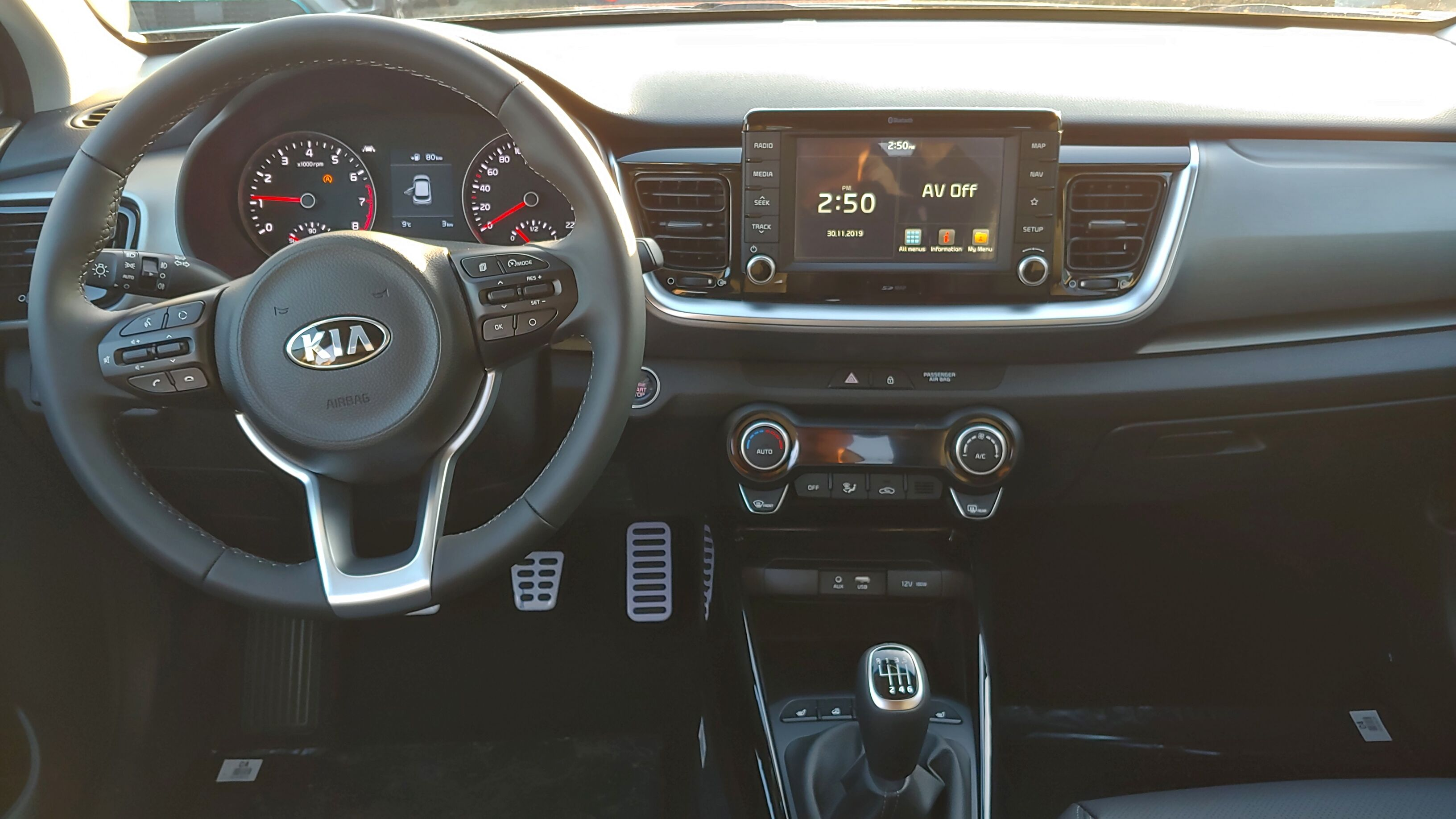 Kia Stonic 1.0 T Sense ISG / Leder /GPS / Camera | 7 jaar garantie 11/13