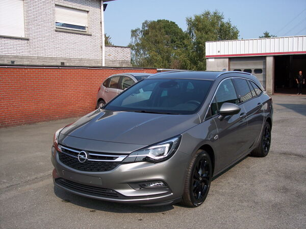 Opel ASTRA SPORTS TOURER SPORT TOURER INNOVATION
