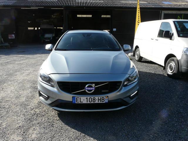 Volvo V60 DIESEL 2.0D3 R-DESIGN GEARTRONIC - 99420 KMS 1/8