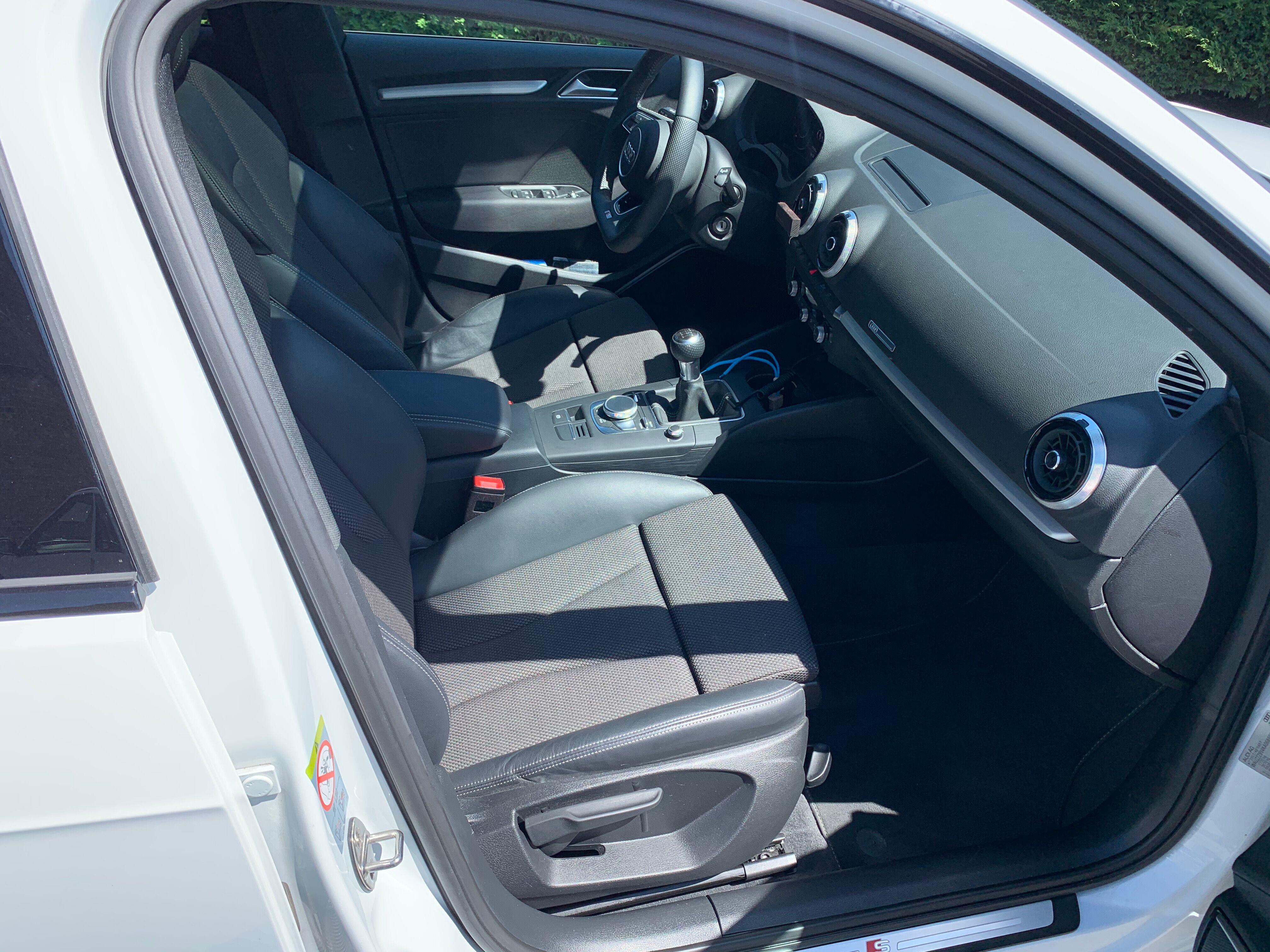 Audi A3 Sportback 1.0 TSI Sline 8/13