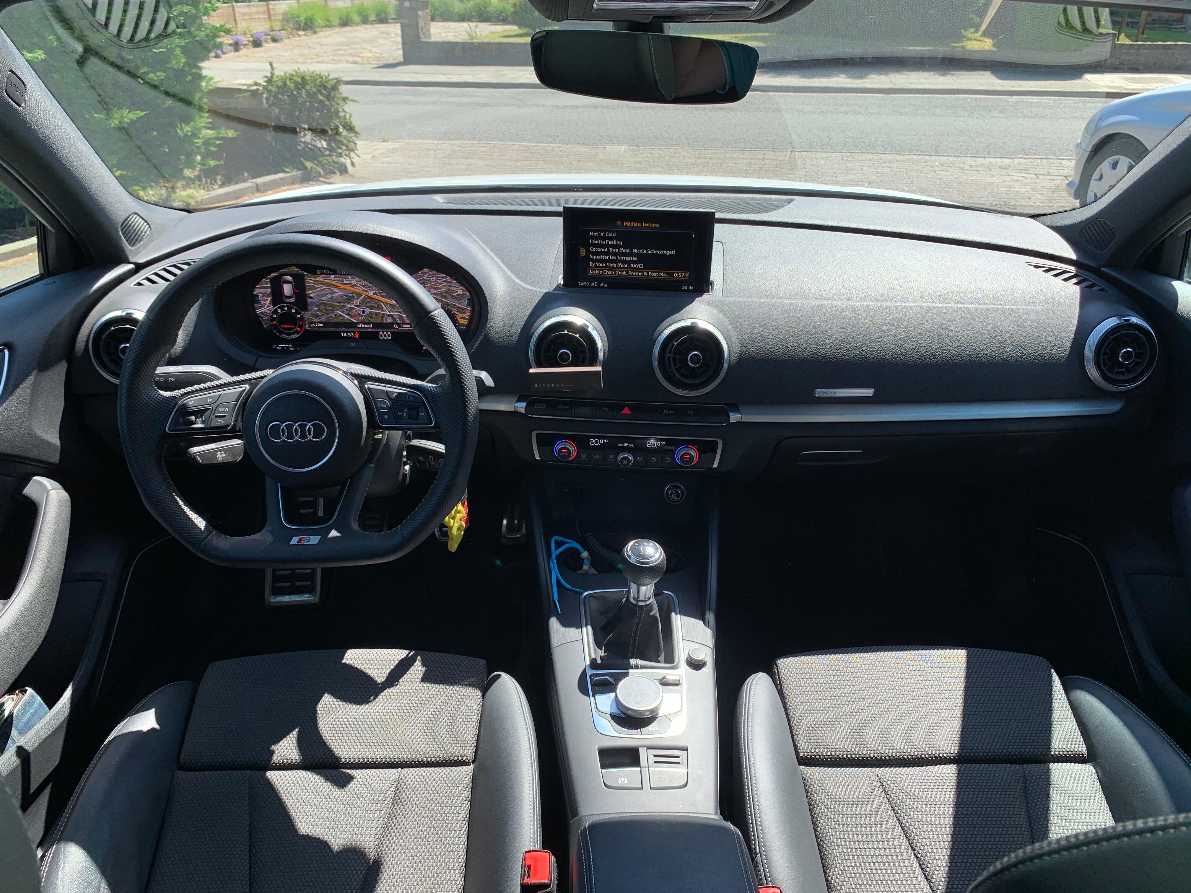 Audi A3 Sportback 1.0 TSI Sline 10/13