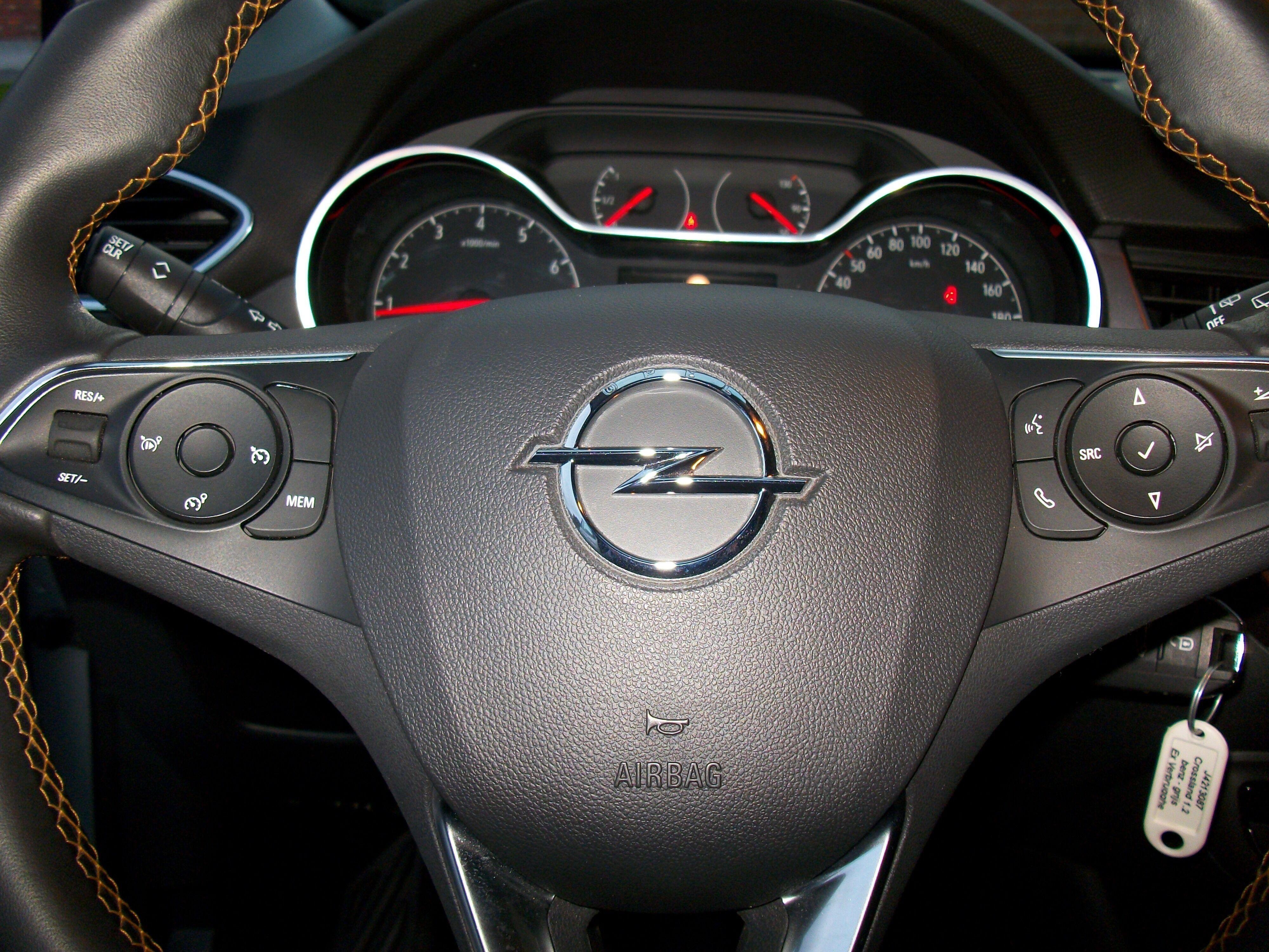 Opel Crossland X 1.2 benz / Innovation 13/15