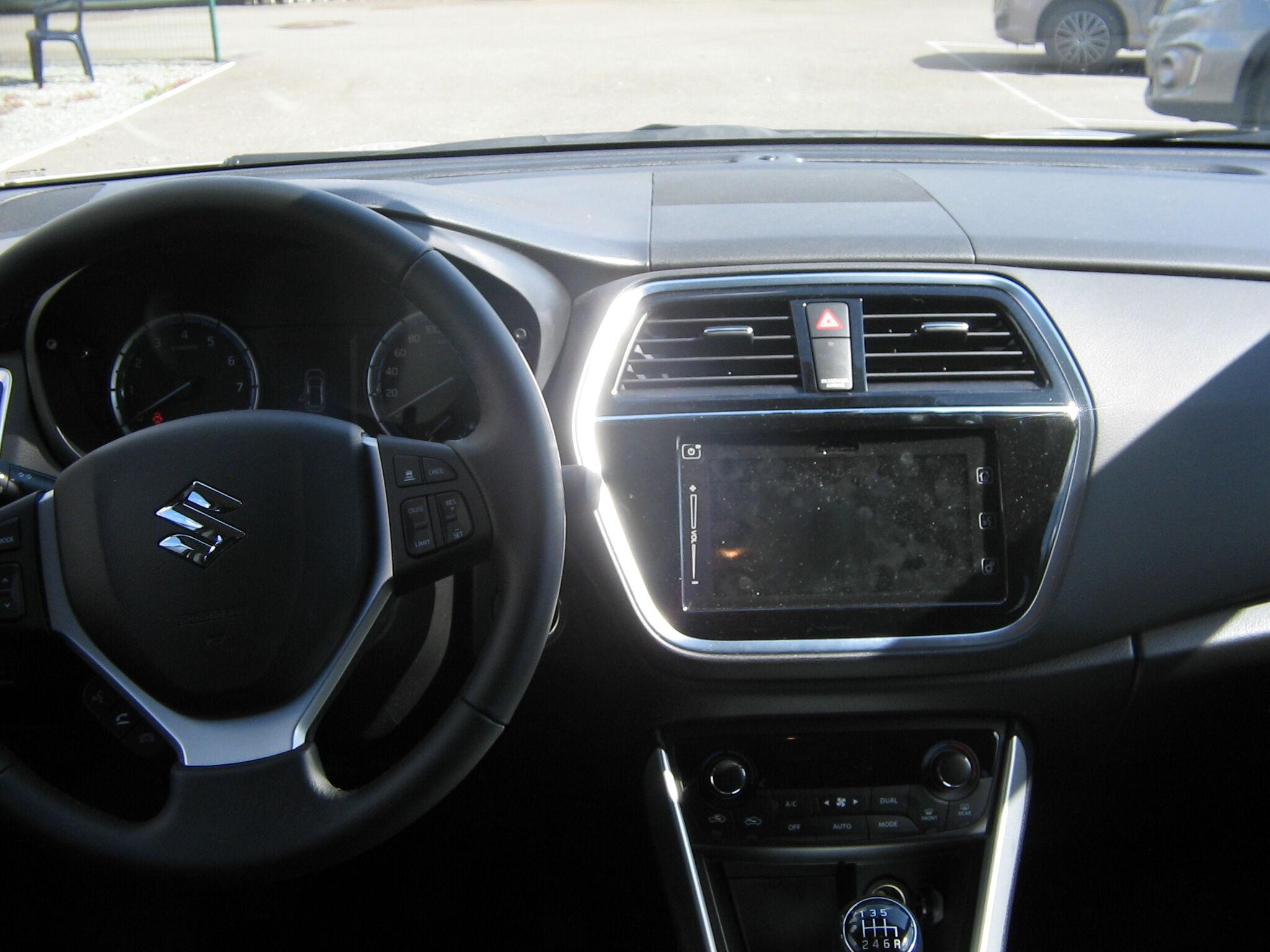 Suzuki SX4 S-CROSS 7/8