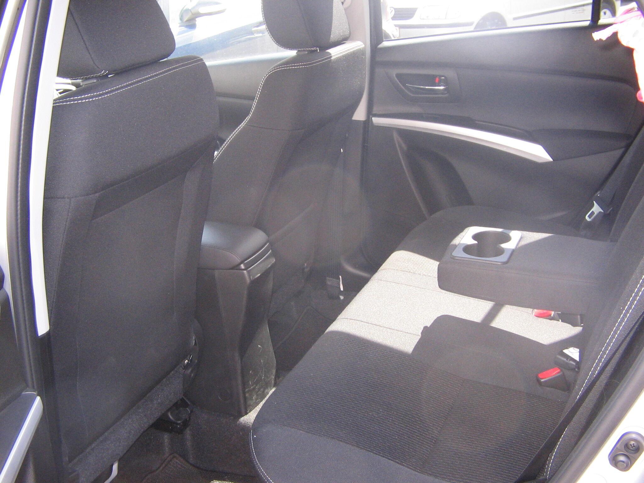 Suzuki SX4 S-CROSS 6/8