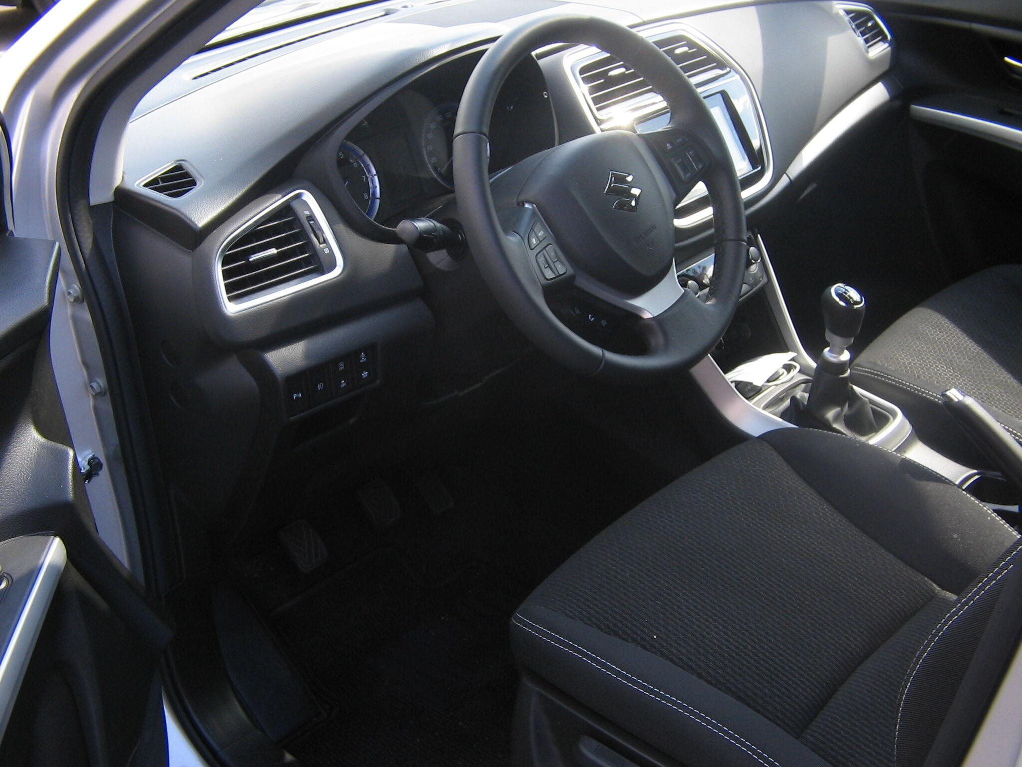 Suzuki SX4 S-CROSS 8/8