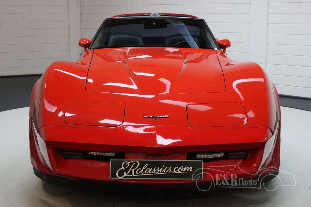 Chevrolet Corvette V8 met side pipes 1981