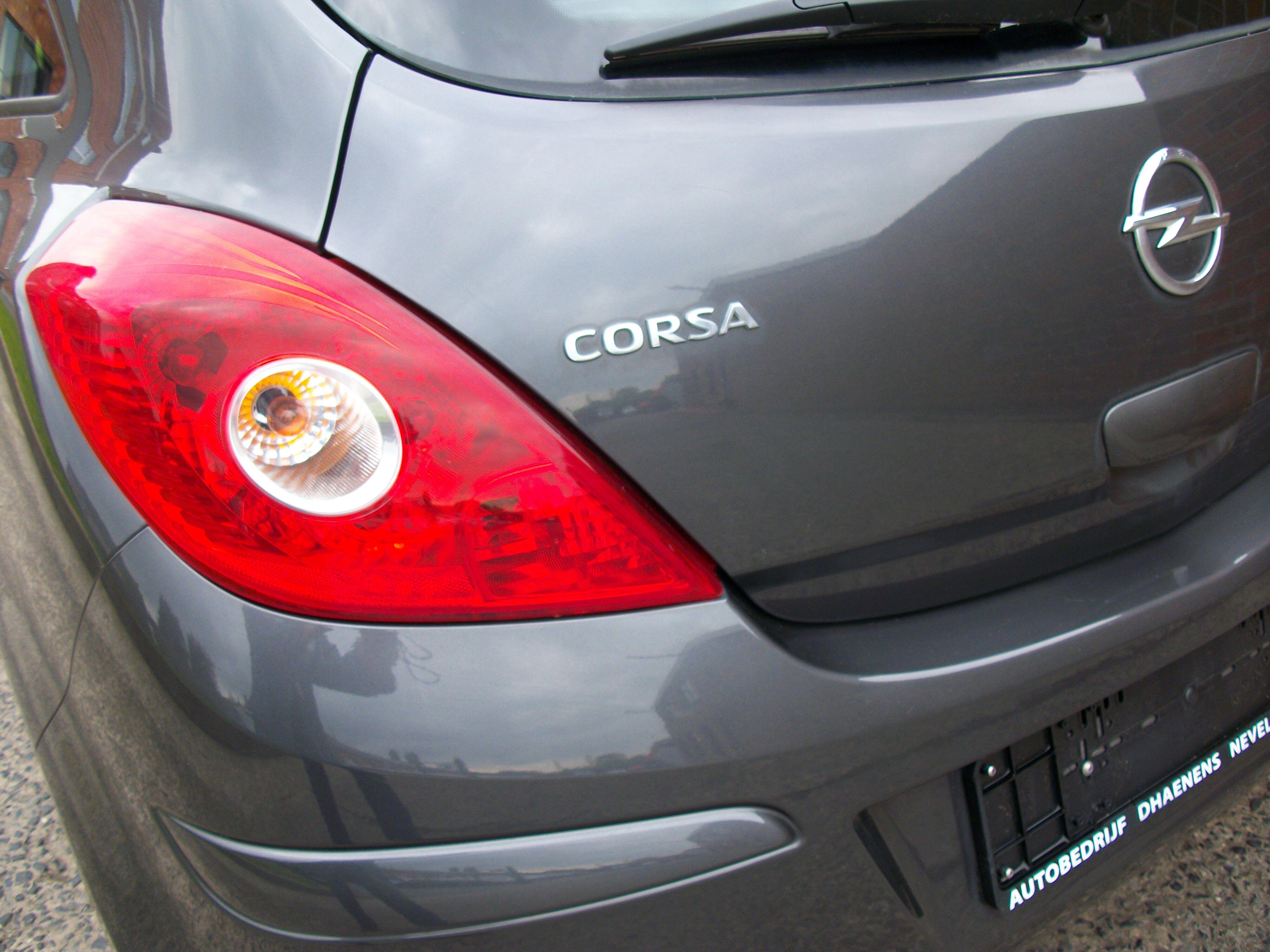 Opel CORSA - 2011 1.4 Benz 6/10