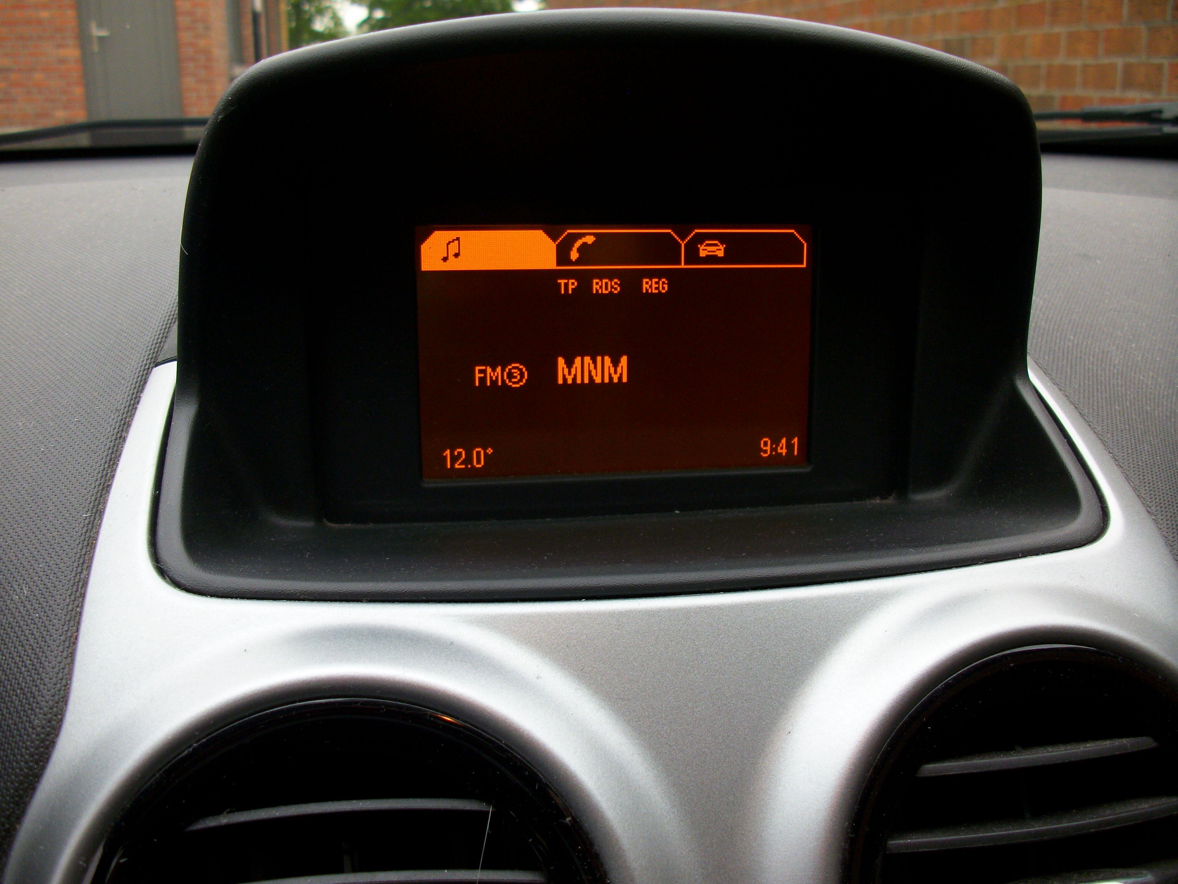 Opel CORSA - 2011 1.4 Benz 7/10