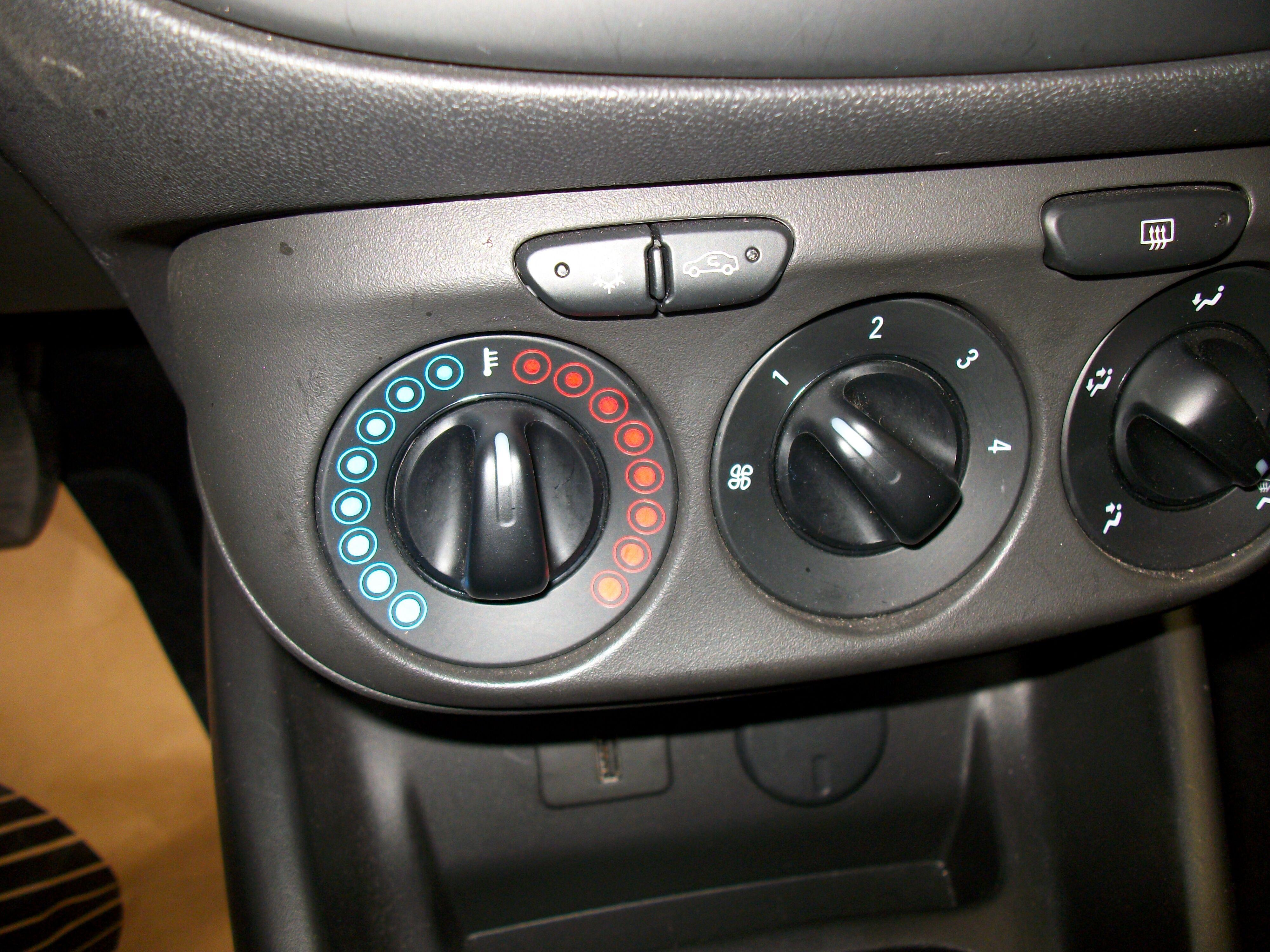Opel Corsa CORSA E 1.2 Benz. - 5 deur 6/15