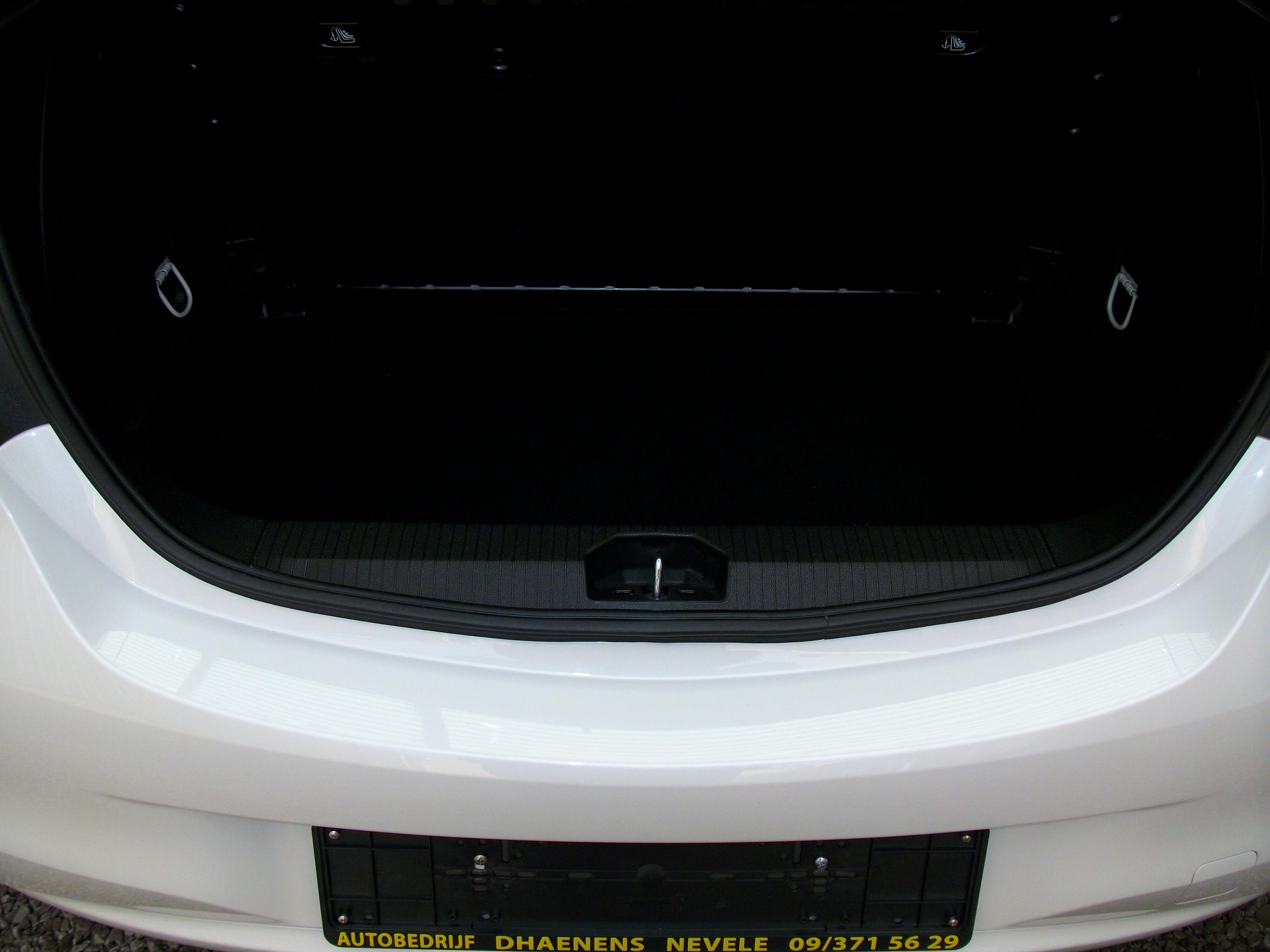 Opel Corsa CORSA E 1.2 Benz. - 5 deur 12/15